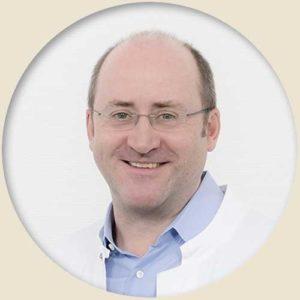 Dr. med. Christian Stofft ist seit 2012 Chefarzt am Sankt Gertrauden-Krankenhaus. Zuvor war er Oberarzt in der Geriatrie des Katholischen Klinikum Mainz. Er ist Mitglied in der Dt. Gesellschaft für Geriatrie sowie in der Dt. Gesellschaft für Palliativmedizin sowie Prüfer bei der Ärztekammer Berlin.